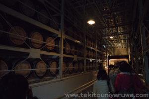 白州のウイスキー樽貯蔵庫2