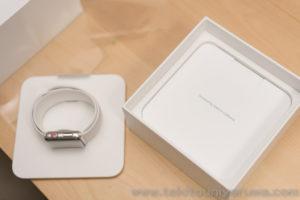 Apple Watch Series 3 GPS + Cellular ステンレス スポーツバンドを箱から取り出したところ