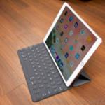 iPad Pro 10.5とSmart Keyboard装着図
