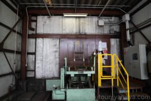 ウイスキー原酒貯蔵庫の入り口